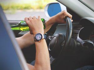Pitie za volantom